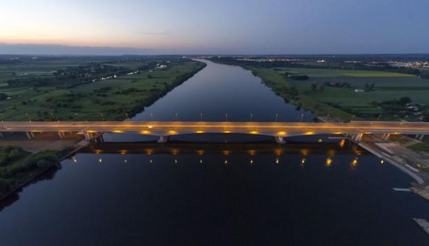 Most autostradowy nad Wisłą nieopodal Grudziądza.