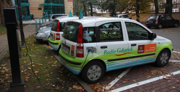 Podobne instalacje jak ta na terenie Radia Gdańsk pojawią się wkrótce w Gdańsku. Skorzystać będzie mógł z nich każdy kierowca auta elektrycznego.