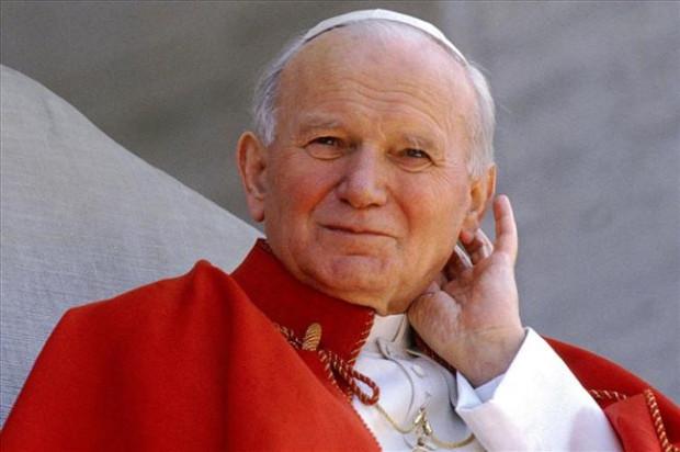 Blisko dziewięć lat po śmierci papież Jan Paweł II w niedzielę zostanie świętym.