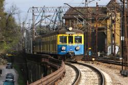SKM szkoli przyszłych maszynistów poprzez urząd pracy, bo trudno znaleźć osoby z uprawnieniami do kierowania pociągów.