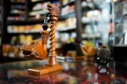Wyjątkowe drewno, usłojenie, obróbka rzemieślnicza - fajka może być dziełem sztuki. (Cena: 3000 zł)