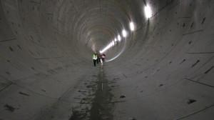 Wydrążona pierwsza nitka tunelu pod Martwą Wisłą.