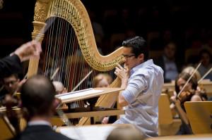 Harfista  Carlos Peña Montoya skradł serca publiczności od pierwszej chwili.