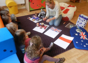 W przedszkolu wszystkie zajęcia odbywają się wyłącznie w języku angielskim.