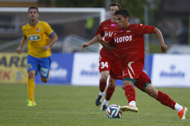 Danijel Aleksić zaliczył w środę pierwsze trafienie w barwach Lechii. Serb jest jednym z 12 nowych w gdańskim zespole. Napastnik podkreśla, że pomimo takich zmian w klubie atmosfera w szatni jest bardzo dobra.