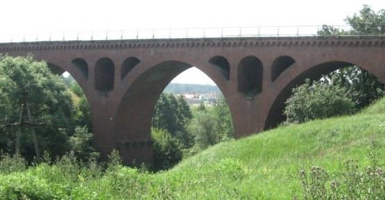 Most kolejowy na rz.Liwie, na wylocie z Kwidzyna.