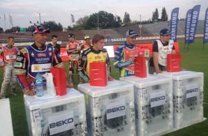 Najlepsi zawodnicy poszczególnych drużyn otrzymali w nagrodę pralki od jednego ze sponsorów turnieju.