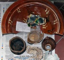 Znaleziono m.in. tysiące fragmentów ceramiki.