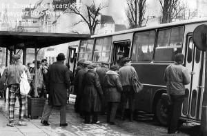 Rok 1989. Ikarus na przystanku autobusowym na ul. Kościuszki w Sopocie.