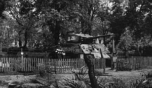 Radziecki Sherman stał przez pewien czas na cmentarzyku Obrońców Westerplatte. Potem zastąpił go w tym miejscu model T 34 z I Brygady im Bohaterów Westerplatte.