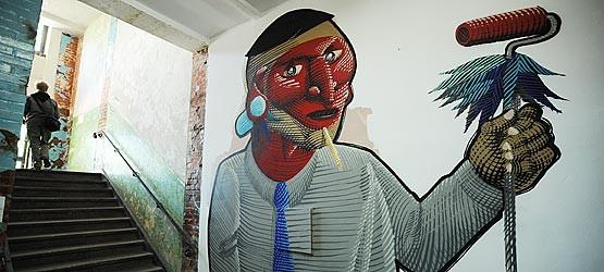 Prace prezentowane w Wyspie pokazują różnorodność sztuki graffiti.