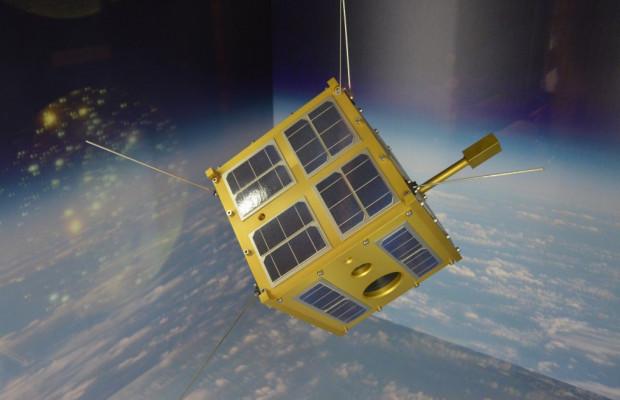"""Od 19 sierpnia br. w kosmosie krążyć będą dwa polskie satelity naukowe: Lem, który znajduje się tam od listopada 2013 r., oraz jego naukowy """"brat"""" - Heweliusz."""