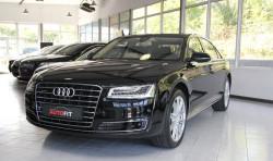 Limuzyna dla prezesa. Ponad pięć metrów długości. Audi A8 w wersji Long.