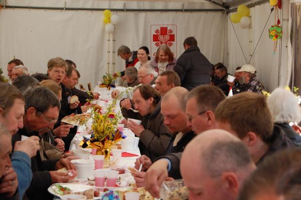 Caritas Archidiecezji Gdańskiej od wielu lat organizuje wigilie i śniadania wielkanocne, ale to tylko ułamek z szerokiej działalności tej placówki.