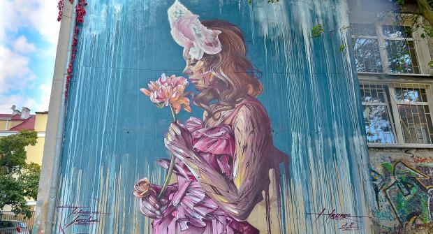 Mural jest inspirowany kulturą wschodu i powstawał przez trzy dni.