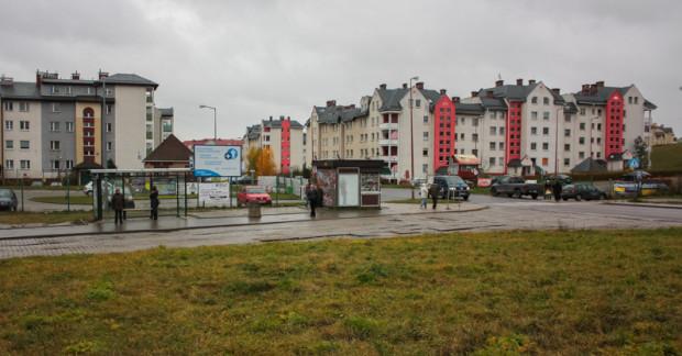 Pętla autobusowa Ujeścisko - to przez jej teren zostanie poprowadzona ul. Nowa Warszawska. Obecnie nie wiadomo jednak czy w najbliższych latach powstanie ona w formie ulicy, ulicy z tramwajem czy tylko samej trasy tramwajowej.
