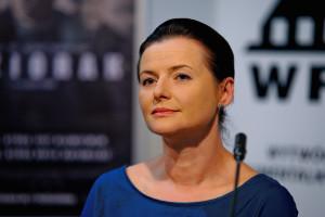 """Jowita Budnik (Iza Dereń w """"Jezioraku"""") to mocna kandydatka do Złotych Lwów za najlepszą rolę żeńską."""