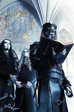 Behemoth obraził tylko jedną osobę. Do postawienia zarzutu liderowi zespołu było potrzeba dwóch pokrzywdzonych.