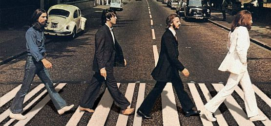 Muzycy The Beatles na Abbey Road w Londynie. Po trójmiejskich pasach jednak nie pochodzą.