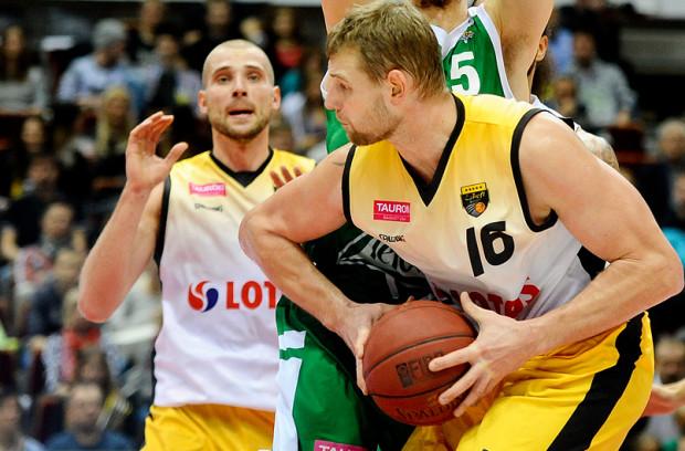 Tautvydas Lydeka do przerwy zdobył 13 z 21 punktów Trefla. Na szczęście w dalszej części gry jego koledzy z zespołu również wzięli się na poważnie za powiększanie dorobku.