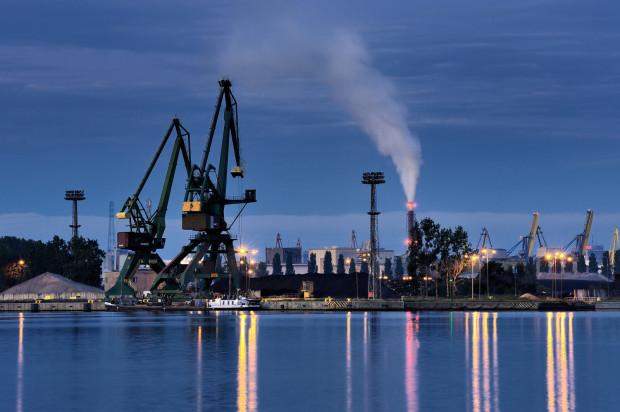 Port Gdański Eksploatacja jest głównym operatorem przeładunkowym na terenie Portu Gdańsk w części portu wewnętrznego. Do sprzedaży przeznaczono 100 proc. kapitału zakładowego spółki.