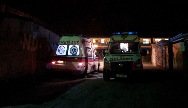 Części poszkodowanych udało się udzielić pomocy na miejscu. Pięć osób trafiło do szpitala.