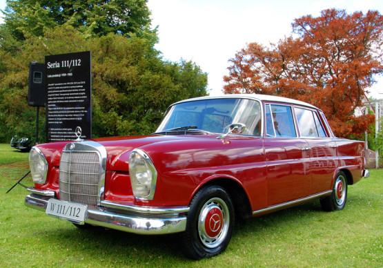 Mercedes W 111/112. Ten egzemplarz często pojawia się na dobrych imprezach klasyków