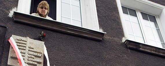 Uroczystości odsłonięcia tablicy Fahrenheita towarzyszyły tłumy mieszkańców... wyglądających z okien kamienic.
