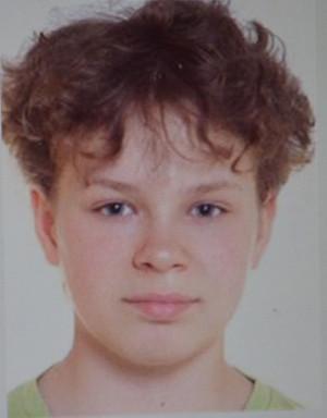 17-letnia Agata zginęła w nocy z soboty na niedzielę. Policja publikuje jej wizerunek, by zwiększyć szansę na rozwikłanie tajemnicy jej śmierci.