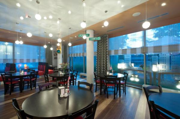 Restauracja Long Island w hotelu Best Western Plus Arkon Park.