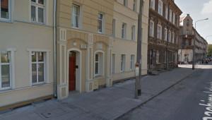 Grass dzieciństwo spędził w Wolnym Mieście Gdańsku, mieszkał przy ulicy Lelewela 13 we Wrzeszczu.