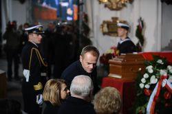 ...i premier Donald Tusk, wieloletni przyjaciel Płażyńskiego.