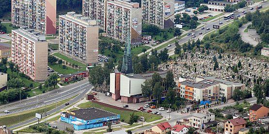 Kościół św. Andrzeja Boboli, znajdujący się w centralnym punkcie Obłuża, zaczęto budować w 1938 r.