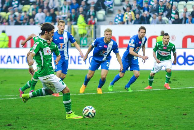 Gol z rzutu karnego strzelony przez Stojana Vranjesa sprawił, że końcówka meczu Lechia - Lech była niezwykle emocjonująca.