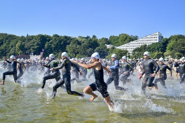 Herbalife Triathlon w Gdyni organizowany jest od 2013 roku. Dopiero jednak niedzielna impreza otrzymała miano oficjalnych zawodów prestiżowego cyklu Ironman 70.3. To pierwszy taki przypadek w naszym kraju.