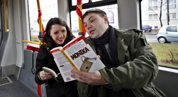 Dzięki książce można nie tylko zawrzeć ciekawą znajomość, ale i podróżować bez biletu. Warunek: trzeba być 8 września we Wrocławiu.