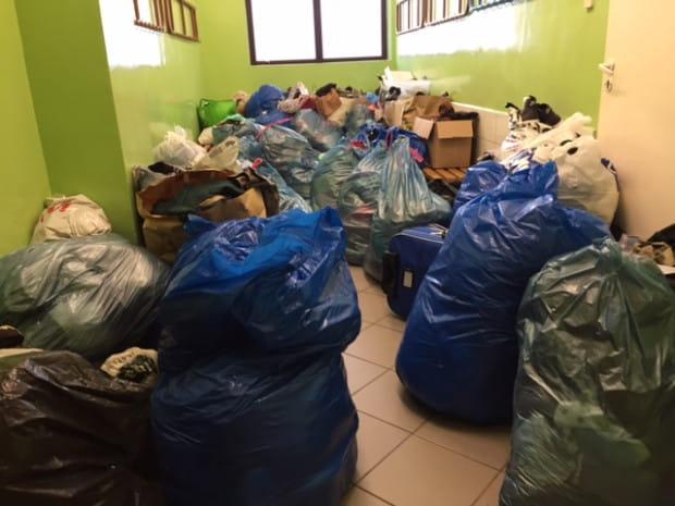 """Po akcji """"Trójmiejski wieszak Bis"""" zostało kilkadziesiąt 120-litrowych worków z odzieżą i butami, które zgodziła się wziąć tylko jedna organizacja samorządowa z Trójmiasta."""
