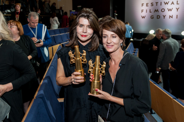 """Nagrodę za """"Body/Ciało"""" odebrały Małgorzata Szumowska i aktorka Maja Ostaszewska."""