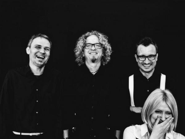 Zespół NeoQuartet to: Karolina Piątkowska-Nowicka (I skrzypce), Paweł Kapica (II skrzypce), Michał Markiewicz (altówka) oraz Krzysztof Pawłowski (wiolonczela). W dniach 8 - 11 października odbędzie się czwarta edycja organizowanego przez nich festiwalu NeoArte - Spektrum Muzyki Nowej.