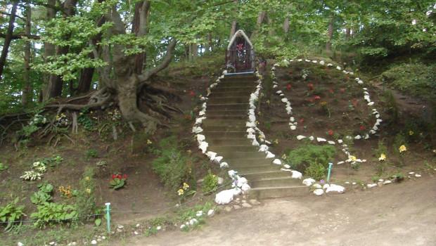 Góra św. Mikołaja w Gdyni - niegdyś miejsce pielgrzymek, dziś jedna z atrakcji lasów w okolicach Chyloni.