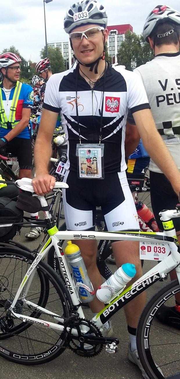 Mateusz Dąbrowski gotowy do startu w ultramaratonie na 1230 km trasie Paryż-Brest-Paryż