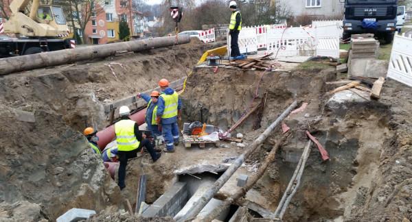 Awarie sieci ciepłowniczej w Gdyni mogą zdarzać się coraz częściej tam, gdzie rury nie były nigdy modernizowane.