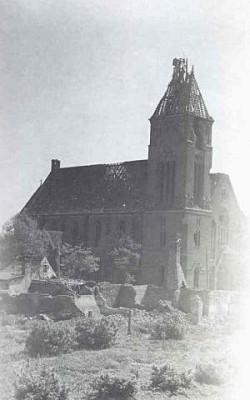 Gmach kościoła na Siedlcach został zniszczony podczas działań wojennych w marcu 1945 r. Odbudowano go trzy lata później.