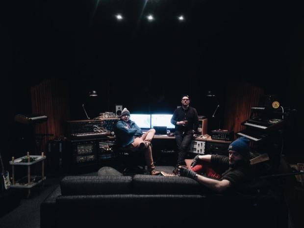 """Projekt """"Nanook Of The North"""" nagrywany był w Reykjaviku."""