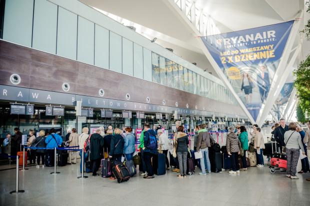 Przez port lotniczy w Rębiechowie przewinęło się w 2015 roku 3,7 mln pasażerów.