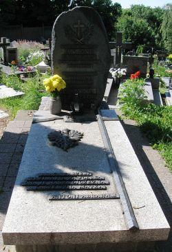 Grób Antoniego Abrahama, króla Kaszubów, na cmentarzu oksywskim.