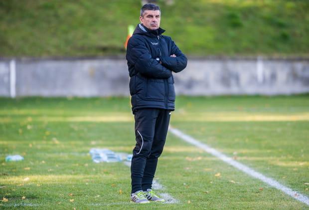 Trener Adam Fedoruk w Lechii prowadzi nie tylko zespół III-ligowych rezerw, ale i stoi na czele akademii. Szkoleniowiec na zgrupowanie z drugim zespołem zabrał także drużyny juniorskie.