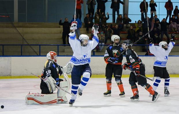 Drugi rok z rzędu gdańskie hokeistki zagrają w finale PLHK. Podopieczne Henryka Zabrockiego będą bronić mistrzostwa Polski.