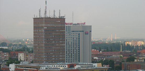 Organika Trade (stojący po lewej) jest obecnie najwyższym wieżowcem w Gdańsku. Po wprowadzeniu SLOW może się to zmienić.
