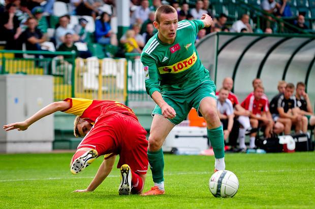 Bartłomiej Smuczyński w barwach Lechii II Gdańsk. W III-ligowych rezerwach jesienią 2013 roku w 7 meczach strzelił 3 gole.